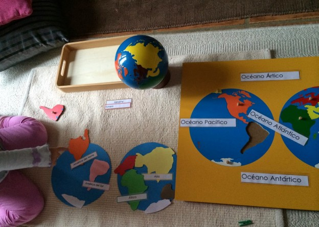 Primer mapa puzzle de los hemisferios // The first hemisphere puzzle map